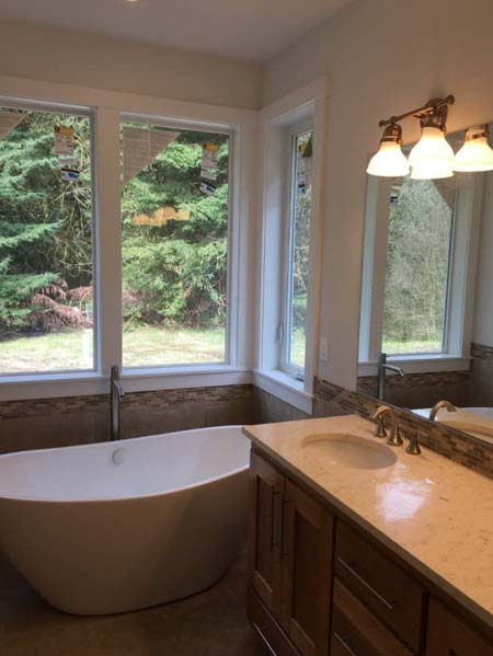 Bathtub and Fixtures Installation for Vancouver, WA Home